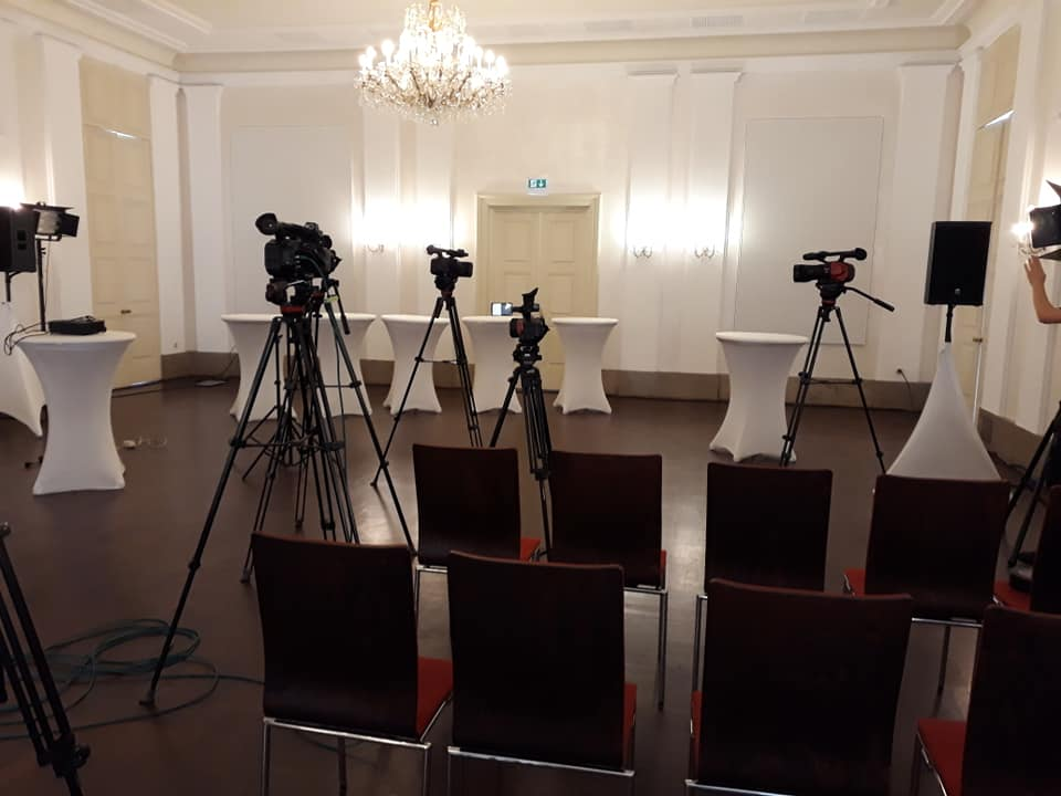 Bild zur Podiumsdiskussion durch einen Vortrag von Keynote-Speaker Knauf